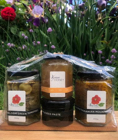 Our delicious cheeseboard variety gift pack